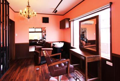 フレンチクラシック調の美容室