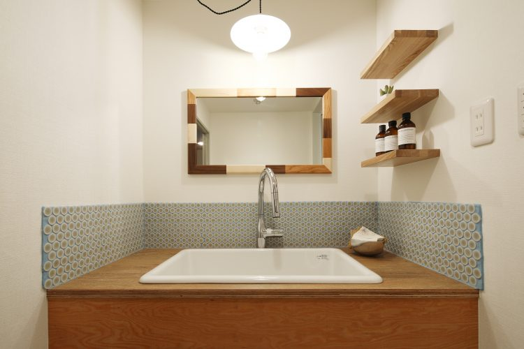 素材が織り成すカフェテイスト洗面台